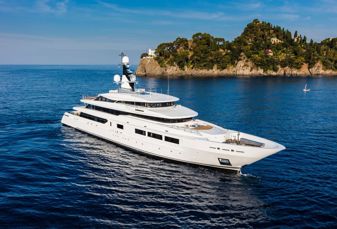 Ms yachts specialiste en location charter vente et for Yacht de luxe interieur