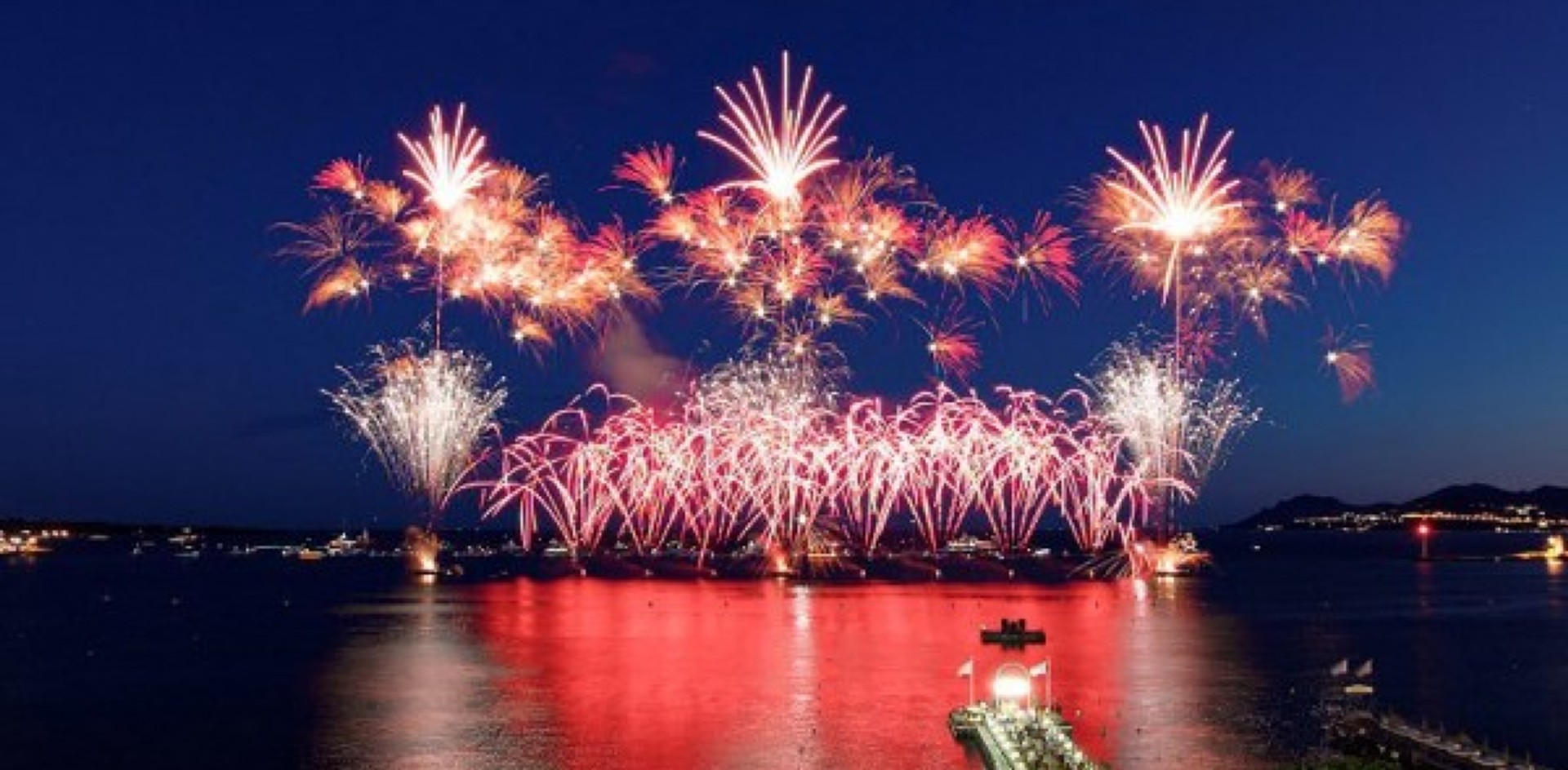 Celebrate New Year\'s Eve aboard a yacht